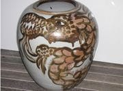 Large dragon (spotted) Jar.