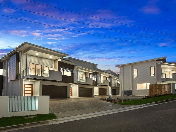 MODERN TOWNHOUSE IN CENTRAL LOCATION