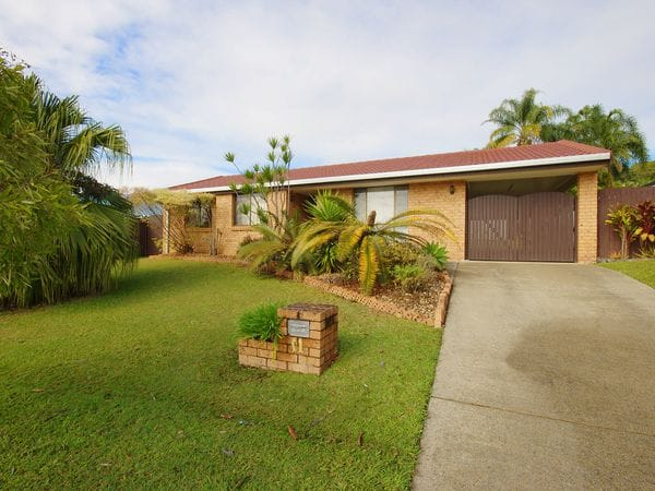 SINGLE LEVEL HOME WITH LARGE YARD